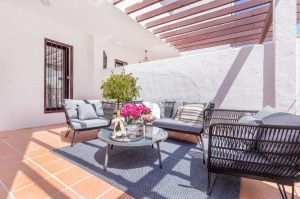 DUPLEX APARTMENT WITH 4 BEDROOMS MARBELLA 465 000 €