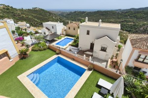 ANDALUSIAN TOWNHOUSE WITH SEA & COAST VIEWS BENAHAVÍS 545 000 €