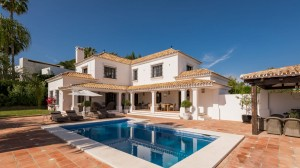 VILLA ANDALUCIA NUEVA ANDALUCIA FROM €2 500 PER WEEK